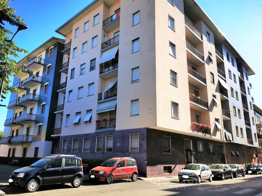 Casteggio (PV) VENDITA Appartamento centralissimo con doppi balconi Rif.C372